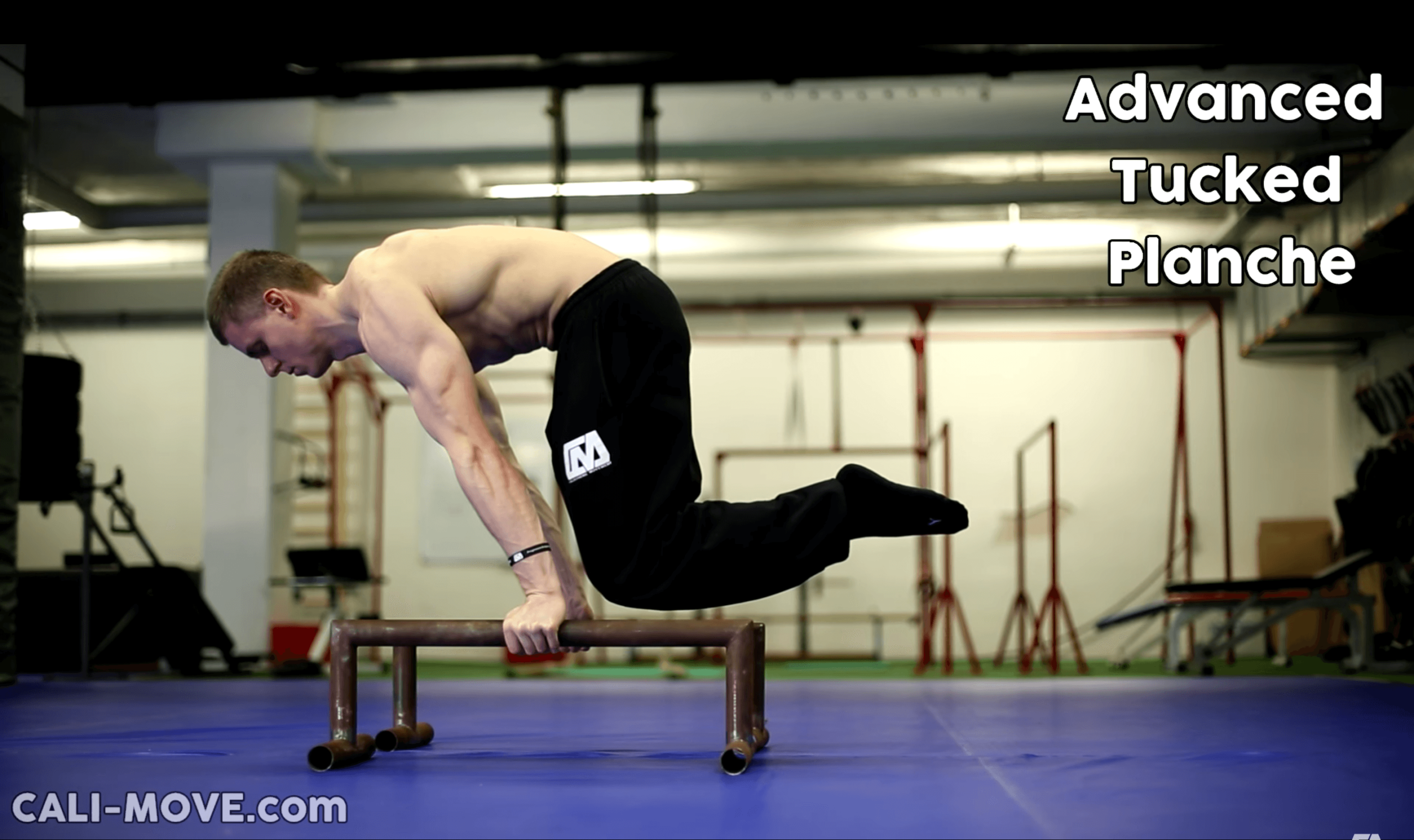 Sven from CalisthenicMovement performing the advanced tuck planche